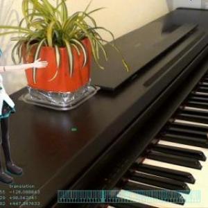 【ネギマガ】ピアノの演奏にあわせて初音ミクが歌う 夢のようなAR技術はライブでも応用可能?