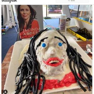 ニュージーランドのジャシンダ・アーダーン首相を襲った悲劇 「これ見たら寝れなくなった」「もうケーキ作りはやめたほうがいい」