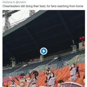 マスクを着用して社会的距離も保っています/5月5日に開幕した韓国プロ野球のチアリーダーやマスコット