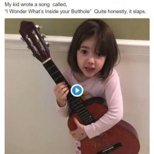 8才の女の子のオリジナルソング「お尻の穴の中には何がいるのかな」が流行! カバーする人も増殖中