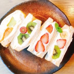 甘みと酸味の絶妙バランス!生食パン専門店のパンを使用した「フルーツサンド」