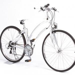 ダイナモ発電でスマホを充電できるクロスバイク  AXA社製のハイテクライトで実現