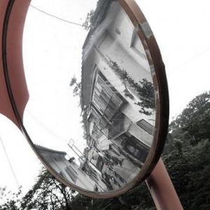【まとめ】なんで鏡は左右反対にうつるのに