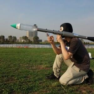 【実戦レビュー】見た目が本気すぎる『ペットボトルランチャー』を撃ってみた