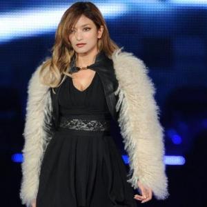 ローラ、ひなの、香里奈ら人気モデルが着こなす黒! 東京ガールズコレクション'12 A/W