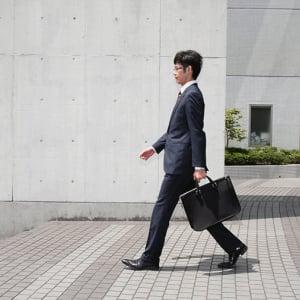 KDDIが「社内副業」をスタート 働く側と企業側にとってのメリットとは?