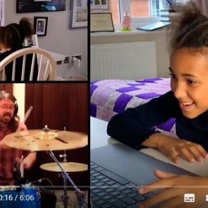 フー・ファイターズのデイヴ・グロールに挑戦状を叩きつけた10才の少女ドラマー  「将来はロックスター間違いなし、ってかすでにロックスターか」