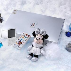 """ディズニーキャラが勢ぞろい! キラキラ輝く「""""ウォークマン""""Sシリーズ クリスマスBOX」"""