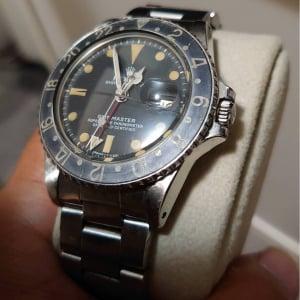 オトナの時計投資:気になる会員制サロン内部とスタッフが語る新たな時計店の価値とは?