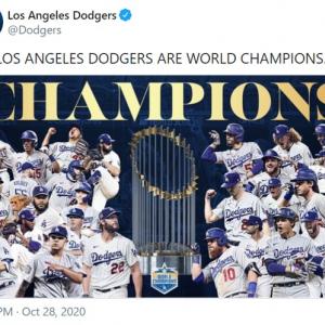 ドジャースが32年ぶりにワールドシリーズを制覇した直後のロサンゼルス 「32年分の花火の音が聞こえてくるよ」「おじいちゃんにこの瞬間を見せてあげたかった」