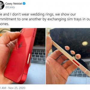 結婚指輪の代わりはSIMトレイ交換!? 「ボディカラーが同じiPhone同士ならどうなる?」「SIMカードは交換しないよね」