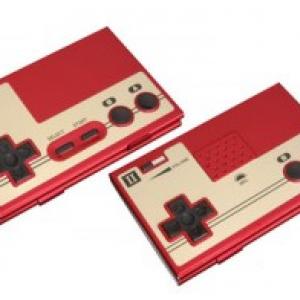 少年の心を忘れない大人たちへ『Nintendoファミコンコントローラー型名刺ケース』