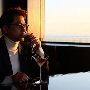 ベイエリアの夜景を大人にひとりじめ「浦安ブライトンホテル」の英国式バーでホテルシュフの料理を味わう
