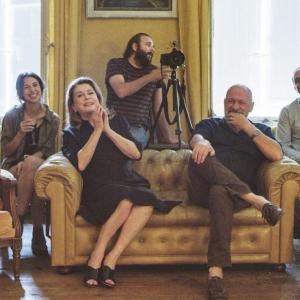 仏映画『ハッピー・バースデー 家族のいる時間』監督&主演インタビュー「家族が食卓を囲んでいるうちに仮面がはがれてしまうんだ」