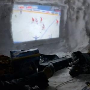 """カナダ版""""かまくら""""の動画が話題 「男の隠れ家として最高だね」「寒くないの?」"""
