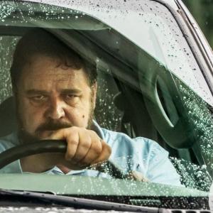 """ラッセル・クロウが狂気の""""あおり運転""""男に。 アクションスリラー『アオラレ』5月公開[ホラー通信]"""