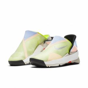 ナイキがハンズフリーで着脱可能なスニーカー「Nike GO FlyEase(ナイキ ゴー フライイーズ)」を発表