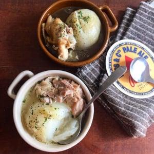"""冷凍庫でガチガチの鶏肉を""""絶品ホロホロ""""にする方法とは? 炊飯器レシピがネットで反響「何やこの美味しさ」"""