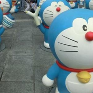 新宿、箱根に100体のドラえもんが出現!