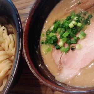 出汁の深み、麺とのバランスが一級品!関西の名店料理人がうまいと唸るラーメン店5選
