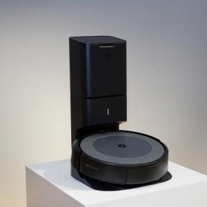 """クリーンベース付きで9万9800円の「ルンバ i3+」が登場 機能と価格のバランスが""""ちょうどいい""""コスパ最強モデル"""