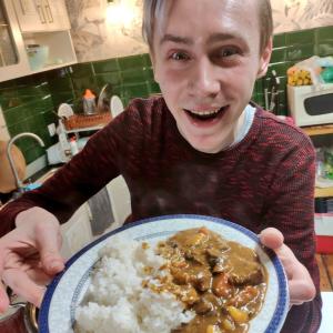 日本に行けずルーもないので自分で作った……日本風カレーをイチから手作りしたラトビア人が話題に