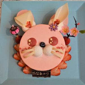 ウサギのひなまつりケーキも数量限定で登場!テイクアウトもできる浦安ブライトンホテルのスイーツコーナーは、華やかケーキがたくさん