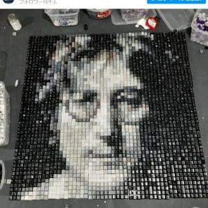 キーボードのキーを使ったドット絵アート 「レゴも得意なんだろうね」「キーボードのキーってこんなに沢山の色があるのか」