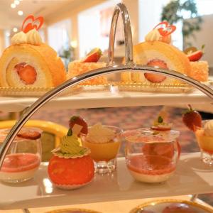 ホテルオークラ東京ベイのアフタヌーンティーを満喫!18日(木)からは桜モチーフの春スイーツが新登場