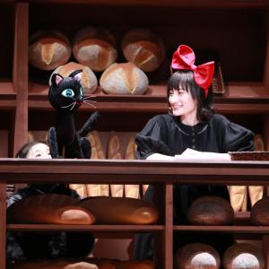 新たなトンボ(那須雄登/美 少年)と魔女のキキ(井上音生)が出会う!新生ミュージカル『魔女の宅急便』素敵な魔法にかかる上質なエンターテイメント開幕