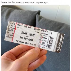"""""""1年前のコンサートチケット""""に注目が集まる 「今までで最低最悪のコンサート」「誰もアンコールしてないのにコンサートはまだ継続中」"""