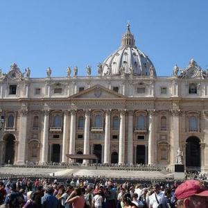選挙で注目される「ローマ法王」 それとも「ローマ教皇」?