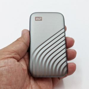 スリムでデザイン性の高いポータブルSSD 「WD My Passport SSD」レビュー