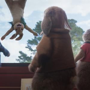 三つ子うさぎのカトンテールが「砂糖の味を知っちまった……」衝撃映像『ピーターラビット2/バーナバスの誘惑』