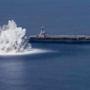 魚雷や機雷の攻撃を想定 空母フォードが水中衝撃試験を実施
