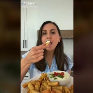 TikTok発のパスタチップスが欧米でトレンドに 「試してみたけど美味しかった」「インスタントラーメンでも出来そう」