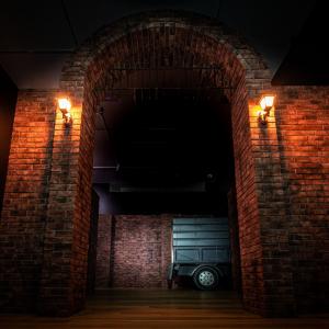 エマたちの脱出劇を五感で追体験!没入型ミュージアム『 約束のネバーランド』GFハウス脱獄編 明日開幕