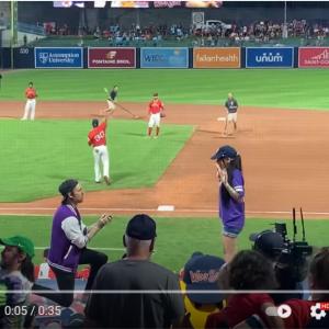 野球場でのプロポーズが予想外の展開に 「そこに愛はなかったってこと」「かなりの確率で演出だと思う」