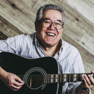 「夜空ノムコウ」に「セロリ」に「神田川」に「巡恋歌」 余生のお供に持ってこいの30曲入り豪華アコギ・スコア集。