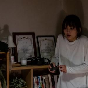 殺人鬼が斧で…… 韓国スリラー『殺人鬼から逃げる夜』本編映像解禁 『シャイニング』にオマージュを捧げる戦慄シーン[ホラー通信]