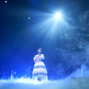 富田美憂、全13曲を披露した1stライブのレポートが到着