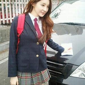 韓国の女子高生が可愛いと話題 スカートを短くしすぎて問題化
