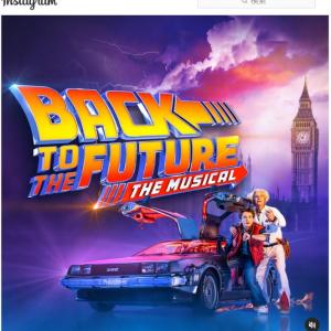 『バック・トゥ・ザ・フューチャー』のミュージカル『Back the Future: The Musical』が最新予告編を公開 「1985年へタイムトラベル」「36年前にチケット予約した者ですが」
