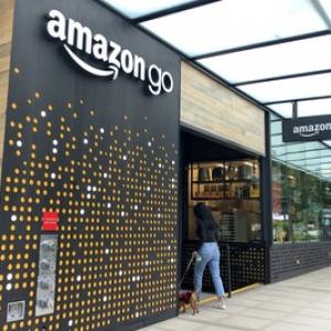 アメリカ・シアトル 無人コンビニ「Amazon Go」の今。レジ決済不要の利便性と課題