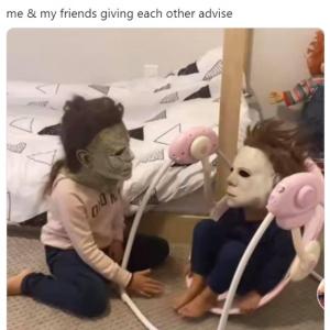 ブギーマンのマスクを被った子ども同士の写真が話題 「どっちも相手の話を聞いてないんだよ」「いいねを送り合う2人」