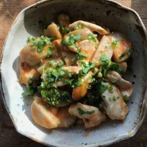 モチモチ里芋×しっとり鶏肉!トマトケチャップの炒め物レシピ