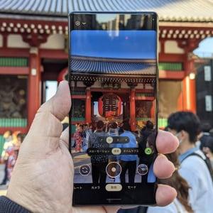 "Googleの「Pixel 6」シリーズで昼の浅草を撮影 Proの望遠カメラや新機能""消しゴムマジック""が秀逸"