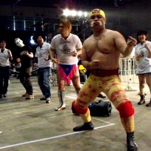 『ニコニコ超会議2』にも負け組が…!DDTプロレス、『ハルク・ホーガン体操』で大やけど
