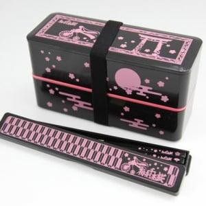 【ネギマガ】本日よりファミマで発売の『初音千本桜弁当』 1980円だけどミクオタなら買うよね?