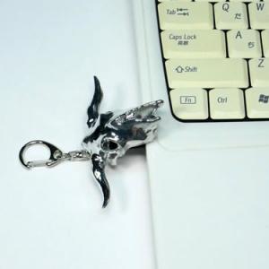光造形技術が生んだバッファロースカル『牛頭骨USBメモリー』